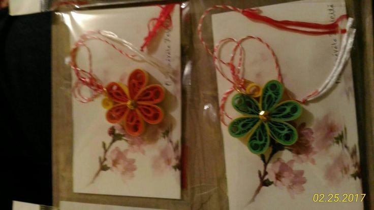 Mărțișoare flori: roșu si verde
