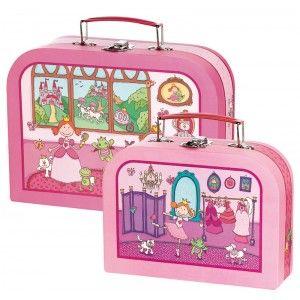 Decoloopio.com – Kit valises enfant: Princesse : Votre petite princesse va maintenant pouvoir emmener tout ce dont elle a besoin ! Ce kit valise enfant est pratique et fonctionnelle pour le goûter, les vacances, les ballades à cheval avec son prince...  Ce kit comprend 2 valises Format: 26 x 19.5 x 9 cm et 20.5 x 15 x 7.5 cm Existe aussi en pirate. . Idéal pour décorer la chambre de votre enfant –
