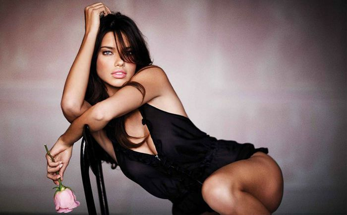 Brazilian super model and actressAdriana Lima doesn't need introduction, at least for the fashionista. Check Adriana Lima Height, Weight, Measurements, Shoe, Dress Size, Husband, Family, Net Worth