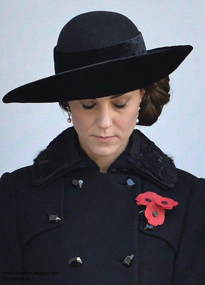 The Duchess of Cambridge joined members of the Royal family for this morning's Remembrance Sunday ceremonies in London.      As always, the ...