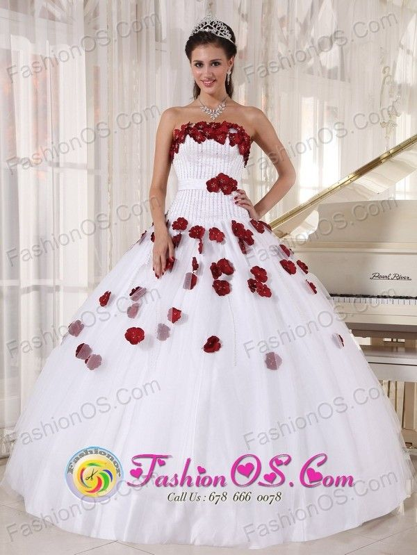 For Formal Evening White and Wine Red Quinceanera Dress Tulle Beading and Hand Made Flowers Decorate Ball Gown in Villazon Bolivia Style PDZY671FOR