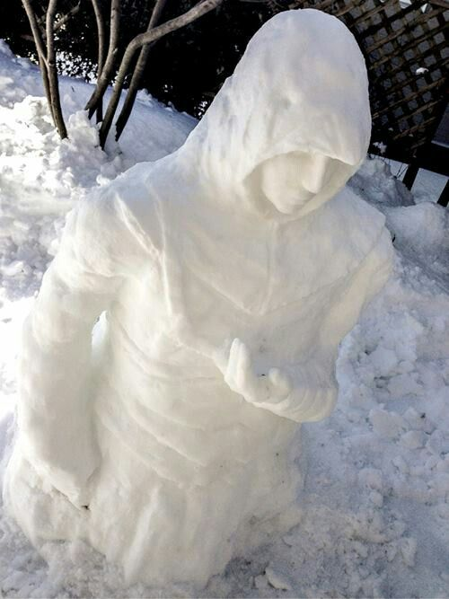 OMG Altaïr << how... I can bearly make a snowman...