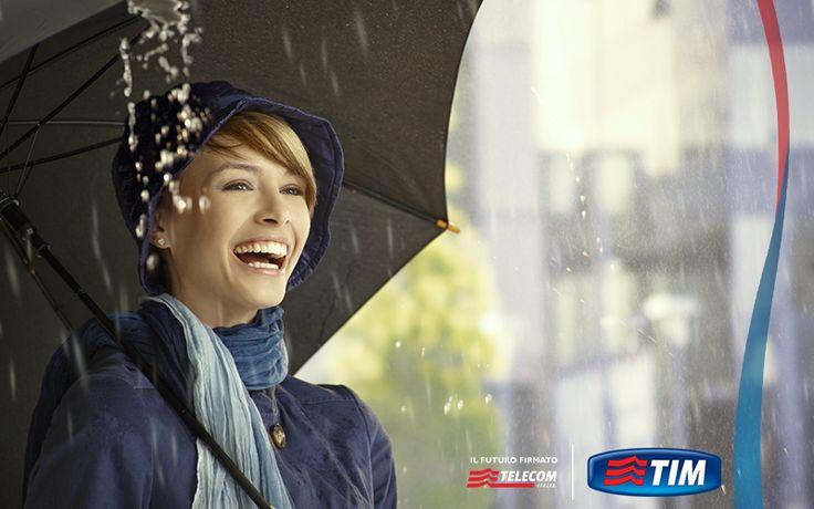 Se andate sempre di fretta, Kisha è l'ombrello che fa per voi: invia notifiche al vostro smartphone per avvisarvi se pioverà o se lo state dimenticando. La pioggia non vi coglierà più di sorpresa! bit.ly/OmbrelloSmart