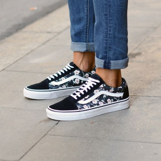 vans old skool shoes vintage floral blue graphite wishlist pinterest chaussures pour. Black Bedroom Furniture Sets. Home Design Ideas