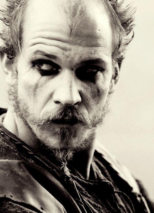 N8 makeup, accents.  Gustav Skarsgård, Floki, Vikings, great tv, addiction, beard, powerful face, intense eyes, love his make-up, portrait, photo b/w.