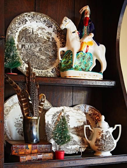 A converted Chicago-area polo stable canters into the holidays dressed with live greens, vintage trophies, equestrian paraphernalia and a serious dose of plaid.