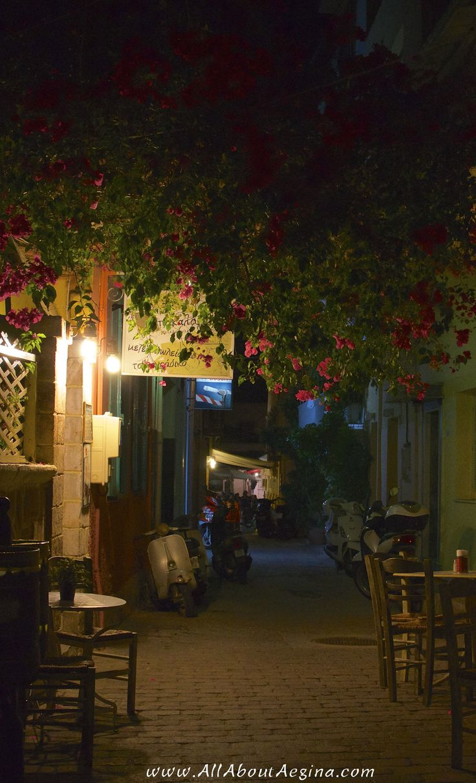 """Hidden"" restaurant in the town of Aegina"