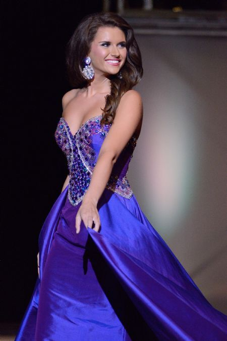 Morgan Bacon, Miss Teen South Carolina International 2014 in Evening Gown Competition.