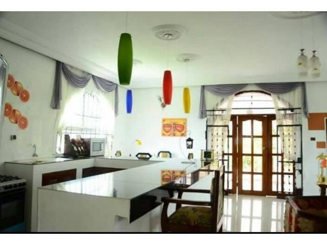 Appartements Meubles D Abidjan Vous Donne Le Privilege De Resider Dans Ces Residences Appartement Meuble Mobilier De Salon Appartement