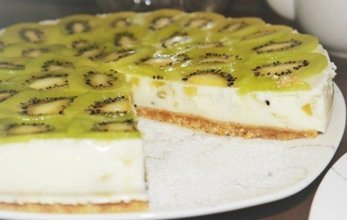 Jogurtový dort s kiwi bez pečení