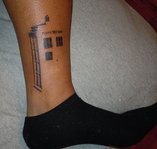 this would be awesome with the rest of it done in blacklight white ink