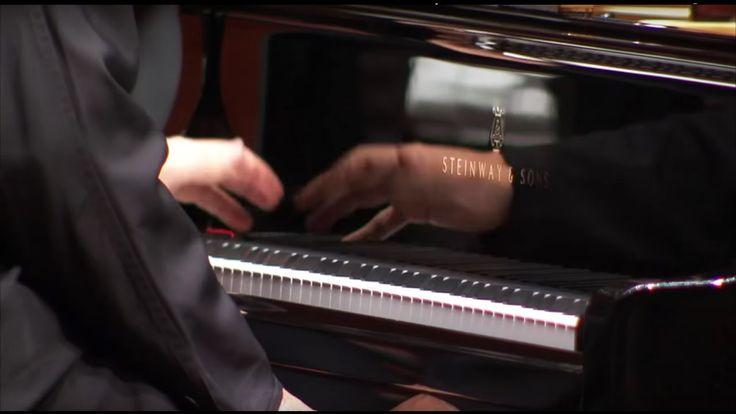 Ravel: Klavierkonzert D-Dur ∙ hr-Sinfonieorchester ∙ Jean-Efflam Bavouze...