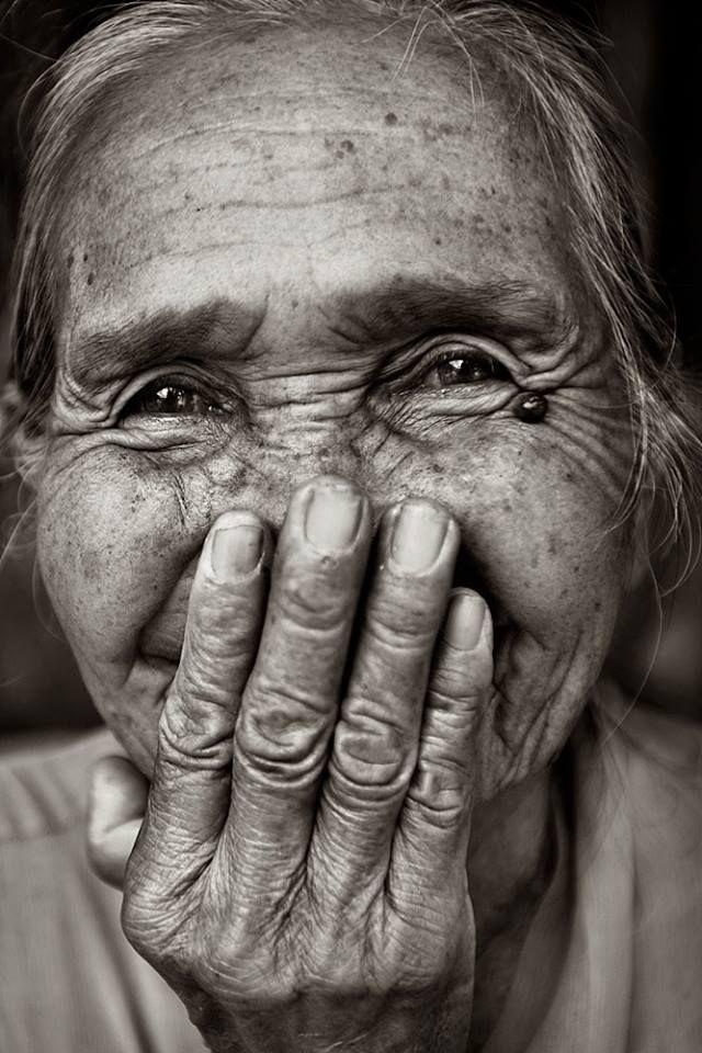 L' Âme du Monde     Photo by © Banhup Teh  Bali  https://www.flickr.com/photos/dtbh/3824259089/