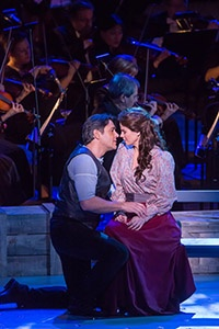 Nathan Gunn and Kelli O'Hara star in the New York Philharmonic's production of Rodgers and Hammerstein's Carousel.