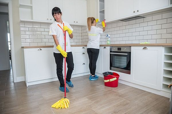 Easiest Way To Clean Your Kitchen Best Online Cabinets Cleaning Service House Cleaning Tips Clean House