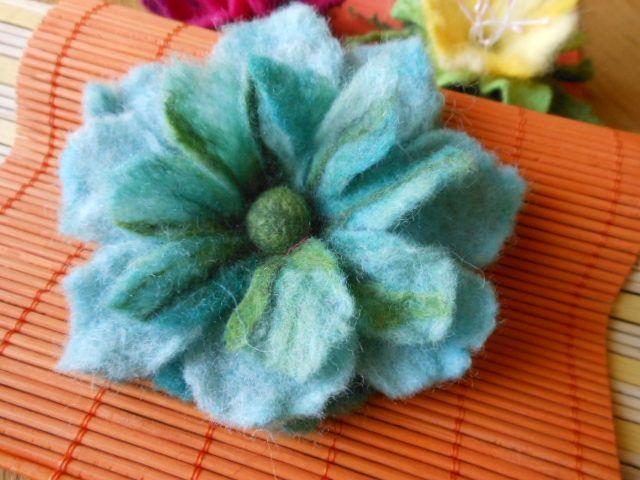 tyrkysová květina