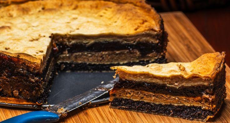 Przepis na flódni (przekładaniec z warstwą orzechową, jabłkową i makową): Flódni (wym: flodni) jest jednym z najbardziej znanych i popularnych żydowskich ciast na Węgrzech. Jest to tradycyjne wielowarstwowe ciastko z nadzieniem orzechowym, jabłkowym i makowym. Wypróbowany przepis! Zapraszam! ;)
