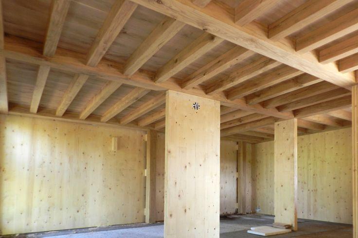 Casa in legno - Soletta in rovere massello, pareti in X-LAM