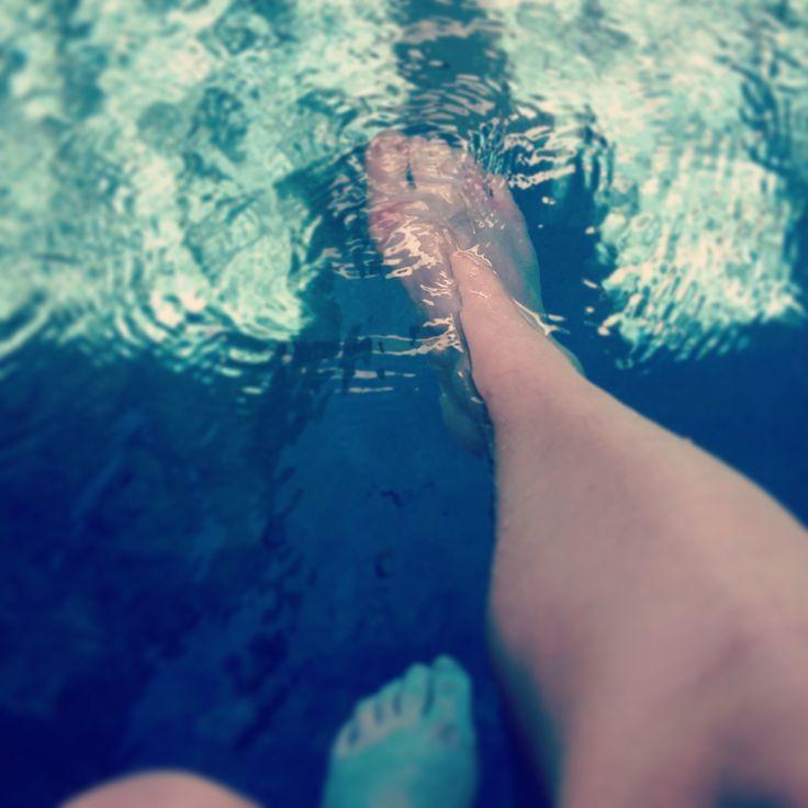 Feet in the Water, first sign of #summertime http://www.gutscheinsammler.de/urban-me/gegen-schweissgeruch-ballerinas/