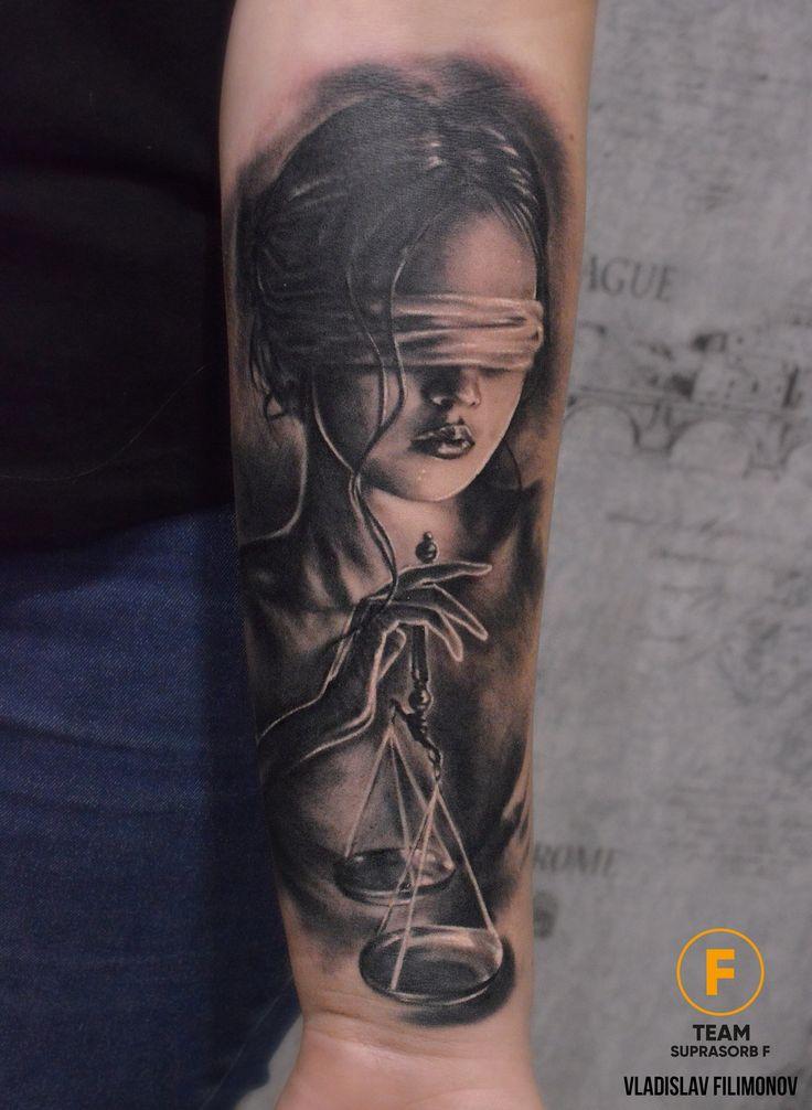Photo tattoo Vladislav Filimonov – Themis with weight …   – ink