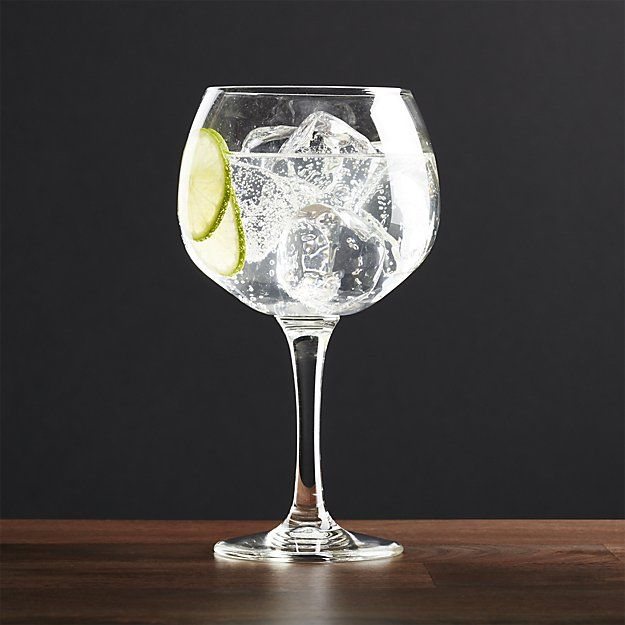 Perfectly sized for gin cocktails or your favorite brand on the rocks, this stylish stemware with a broad, low bowl and sturdy stem helps prevent transfer of heat from hands at cocktail.