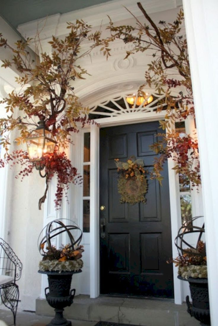 Phenomenal Best And Most Beautiful Fall Front Door Decorating Ideas (35+ Best Pictures) http://goodsgn.com/design-decorating/best-and-most-beautiful-fall-front-door-decorating-ideas-35-best-pictures/