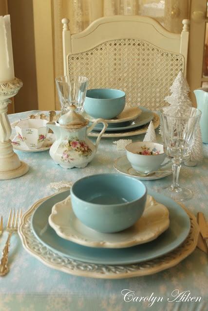 : Tables Sets, Color Combos, Blue Christmas, Aqua Blue, Shabby Chic, Blue Green, Robins Eggs Blue, Dining Tables, Teas Parties