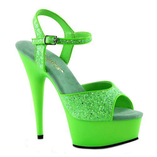 Groene glitter sandalen met peep toe. Deze groene sandalen hebben een verstelbaar enkelbandje en een hakhoogte van ongeveer 15 cm.