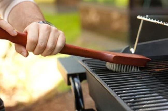 come-pulire-la-griglia-del-barbecue_594cf7dc9d8784108704950ed91f433a