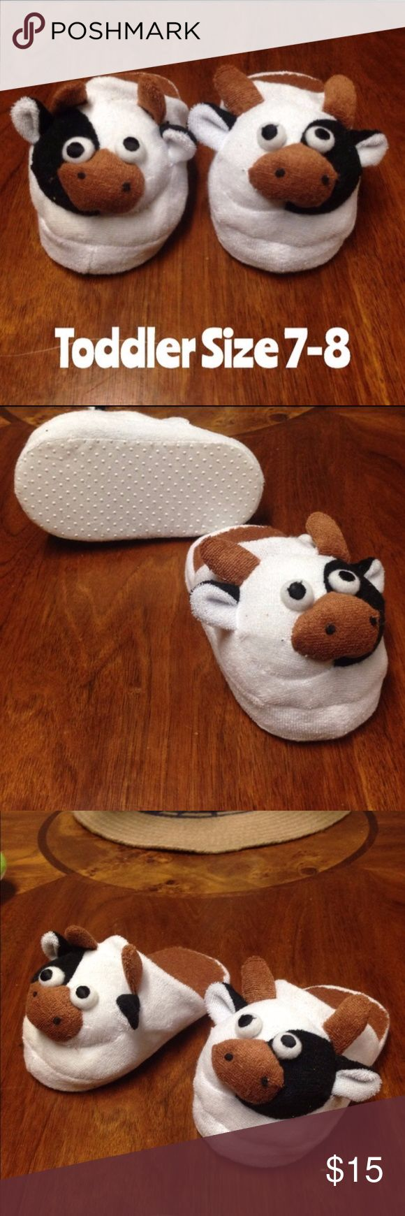 """30% off Bundles     NWOT 6"""" Cow Slippers 7-8 MOO MOO These are so CUTE. Tour little one will adore them. Perfect gift for a boy or girl. Cow slippers  size 6"""". Please measure your child's foot. These measure 6"""" from front to back. Shoes Slippers"""