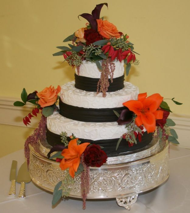 http://static.pourfemme.it/625X0/matrimonio/pourfemme/it/img/torte-nuziali-autunnali-fiori-classici.jpg
