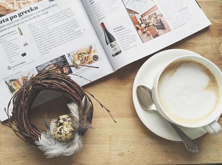 Jak wam mija popołudnie? Piliście już kawę? Miłego dnia życzę ☺️☀️. #coffee #coffeetime #sunnyday #relax #kawa #capuccino #wreath #wreaths #easter #easterwreath #instawreath #easterdecor #instadecor #spring #nature #natural #eggs #handmade #pretty #interior #wianek #wianki #wielkanoc #ozdoby #dekoracje #dekoracjeswiateczne #wiosna #jajka #przepiórka #wnętrza