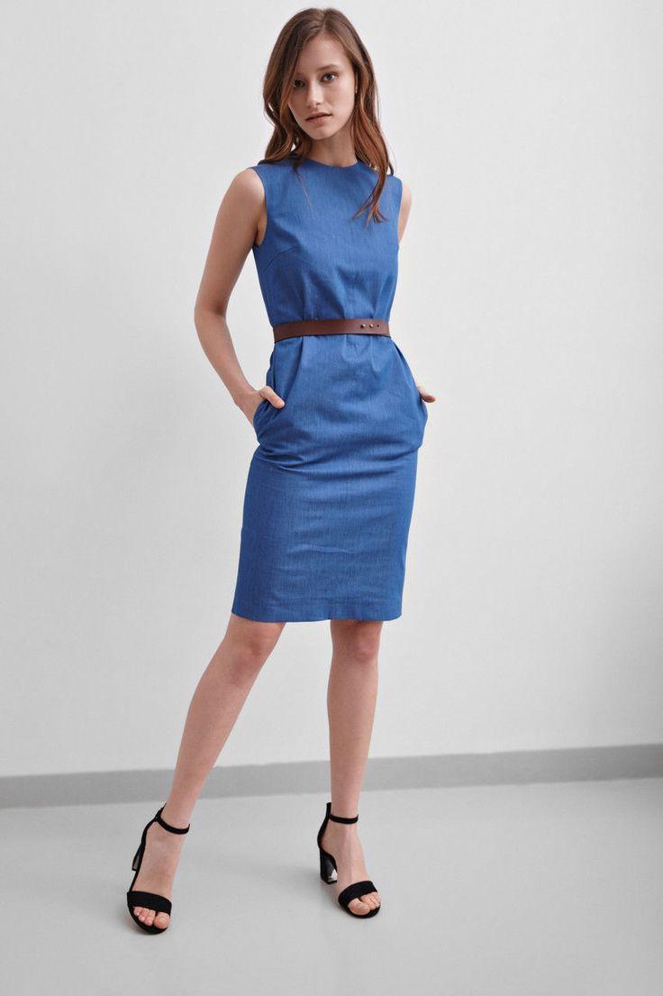 Женское легкое джинсовое платье до колен, без рукавов