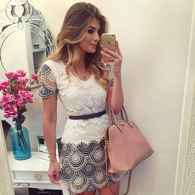 Jeans com Renda by @desnude 😱 Muito amor! 😍 • #lookdodia #lookoftheday #ootd #selfie #blogtrendalert