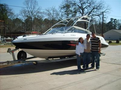 Escobar family w:their new Yamaha AR 230 Jet Boat