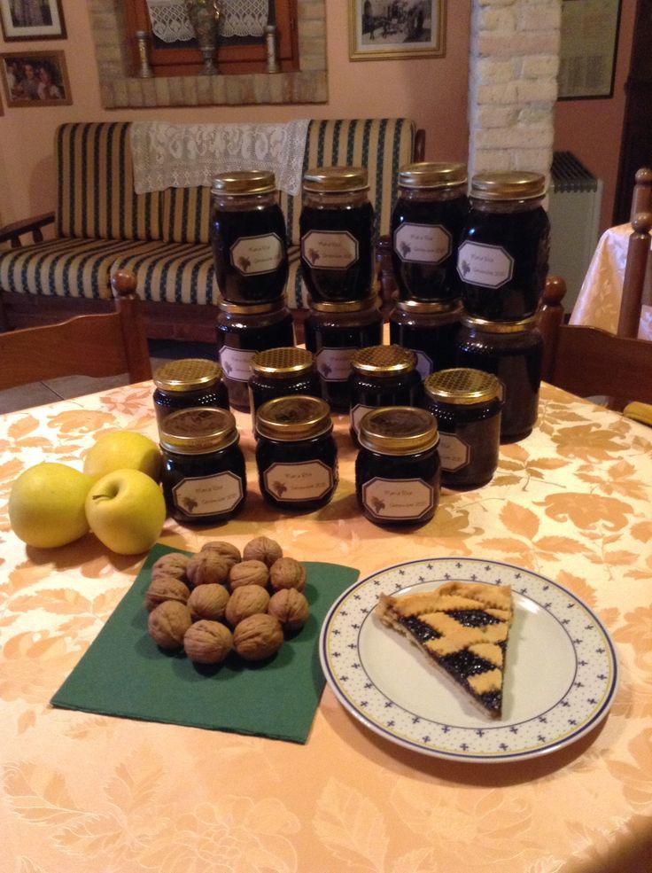 Marmellata di Uva e Mele presso il B&B La Petrella ....pronta per deliziare la colazione dei nostri ospiti