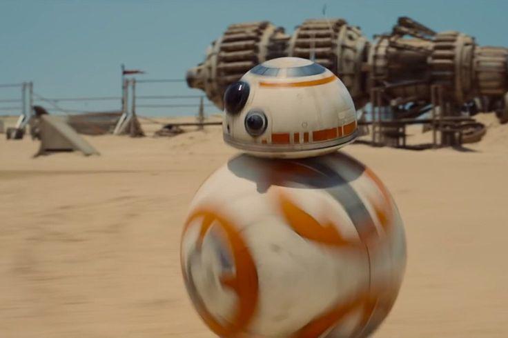 映画『スター・ウォーズ/フォースの覚醒』の予告編に登場するローリングロボット「BB-8」。ファンのためのイヴェントで、動き回る実物が登場した。