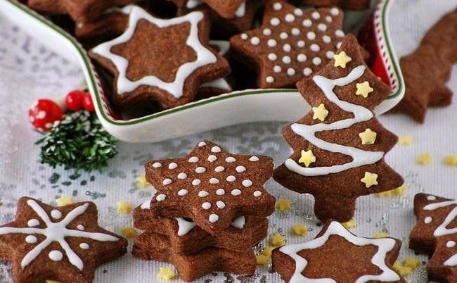 Te explicamos paso a paso, de manera sencilla, la elaboración del postre galletas de chocolate y mazapán. Ingredientes, tiempo de elaboración