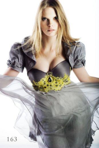 Jedwabna suknia wieczorowa