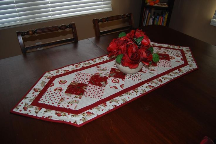 Quilting Project Ideas : 307 best Bed and Table runner ideas images on Pinterest Table runners, Quilted table runners ...