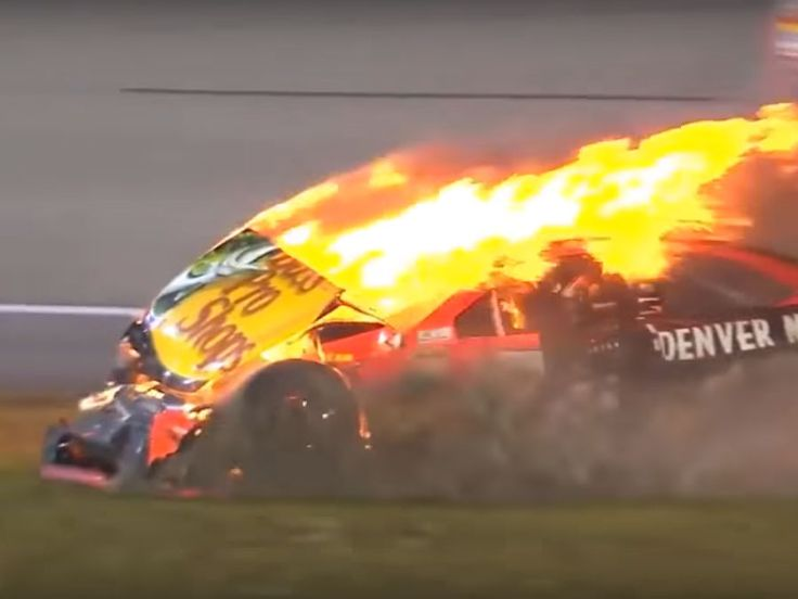 NASCAR Top 10 Crashes of 2016 Season (1) Related posts: Nascar – Talladega Crashes 2016 (13.5) NASCAR Top 15 Crashes (8.1)