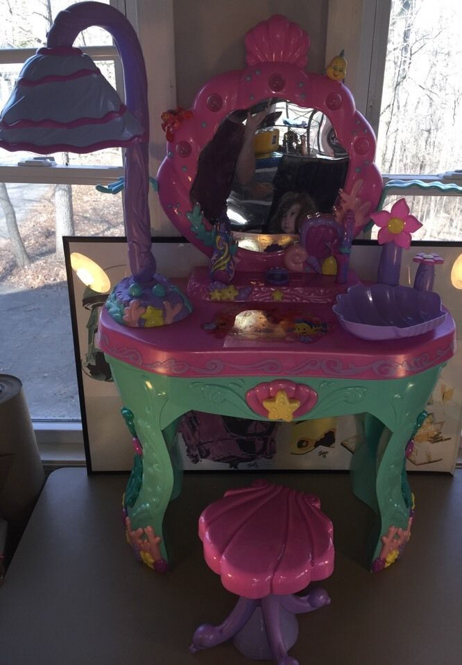 Disney Little Mermaid Princess Ariel Magic Talking Vanity