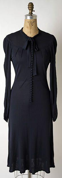 Dress, Jean Muir. Date: fall/winter 1972-73. Credit Line: Gift of Shane Davis, 1974. Metropolitan Museum of Art. Accession Number: 1974.307.