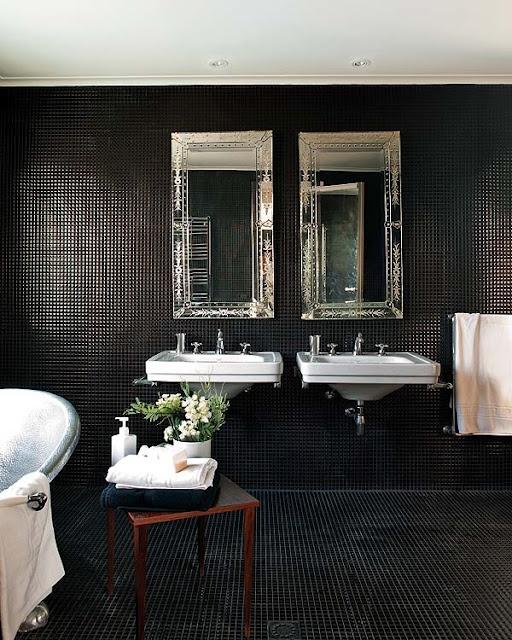 Dark and dramatic bathroom: Interior Design, Black Bathrooms, Black Tiles, Interiors, Dark Bathroom, White Bathroom, Bathroom Ideas, Tile Bathroom, Tiled Bathrooms
