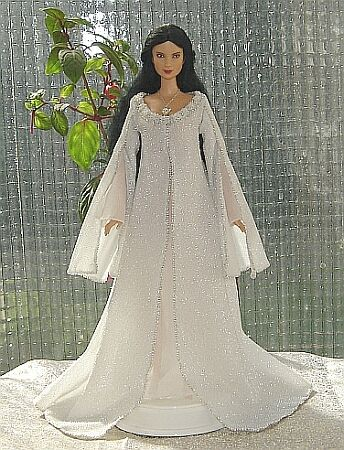Arwen angel dress for Barbie doll: FREE PATTERNS for doll costumes