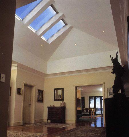 La fen tre de toit et les lanterneaux cr e par velux for How to clean velux skylights
