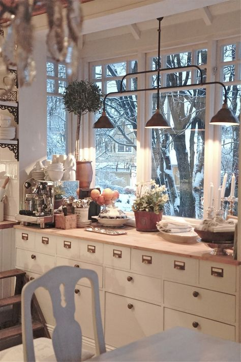 Gracie Blue : Spring Home Tour {White Kitchen Reveal} farmhouse industrial shabby chic