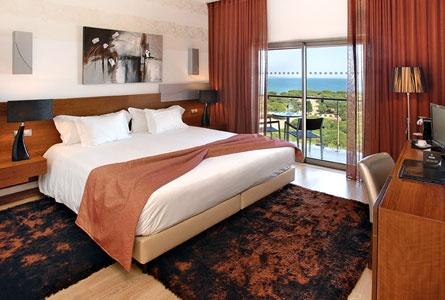 Hotel Aqua Pedra dos Bicos in Albufeira | Splendia - http://pinterest.com/splendia/