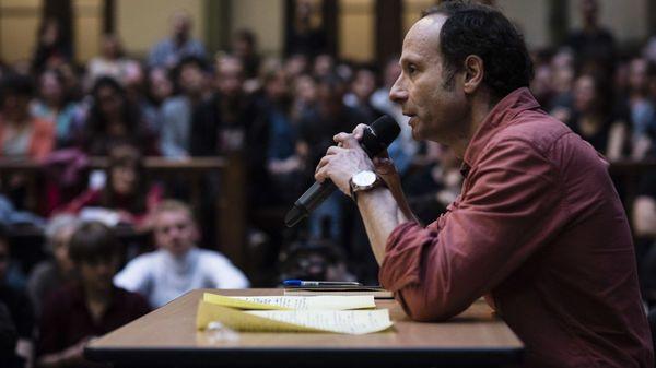 Philosophe et théoricien de la pensée spinoziste, Frédéric Lordon est aujourd'hui l'invité de Guillaume Erner, pour discuter et débattre du rôle des affects dans la génèse de l'action politique et dans la formation de nouvelles alternatives, à l'instar de Nuit Debout.