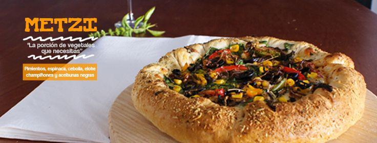 ¿Quieres una #Pizzatl? ¡Tenemos la única #Pizza en #Orizaba hecha a base de MAÍZ AZUL!    Llama a la #Pizzeria al 7240397 ♦ Whatsapp al 2727034725 ♦ Escribe en Facebook o Google+.   APÁRTALA 1 DÍA ANTES. SOLO TAMAÑO JUMBO. MARTES y SÁBADO de 11:00am a 8:00pm  y MIÉRCOLES, JUEVES y VIERNES de 11:00am a 11:00pm.   SERVICIO A DOMICILIO GRATIS en Orizaba y $25.00 mxn extras de envío en alrededores.    #OrizabaPuebloMagico    https://facebook.com/Pizzatl  https://instagram.com/pizzatl_orizaba/
